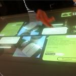 Glastisch mit eingebautem Touchscreen